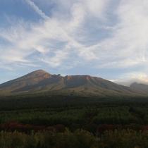 展望ロビーから見た岩手山。