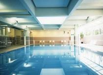 室内温水プール