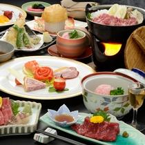 五戸名物の馬肉を使った「さくら鍋」をはじめとした季節の和食膳一例