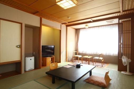 和室10畳+ツインベッドルーム「牡丹」(バス付)(禁煙)