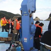 漁師体験♪現役漁師さんと一緒に漁船に乗って定置網の引き揚げ作業を体験