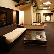 「湯楽」には、旅情を楽しむひとときのための静寂に包まれた空間があります。