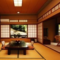 10畳の広々とした源泉檜風呂付の客室です。大きな窓からは、あたたかな陽射しがたっぷり注ぎ込みます。