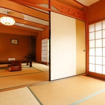 離れは12.5畳と5.5畳からなる大部屋で、女子会や3世代の家族旅行に人気の客室です。