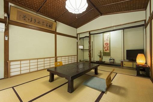 和室12畳(お庭付)■大牟田駅より徒歩3分♪無料駐車場有♪