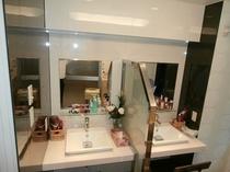 女性サウナ洗面所