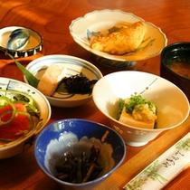 *旬の味覚を味わう朝ごはん(朝食一例)