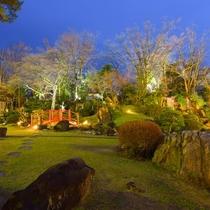 日本大庭園は夜になるとライトアップ☆彡幻想的な風景が楽しめます