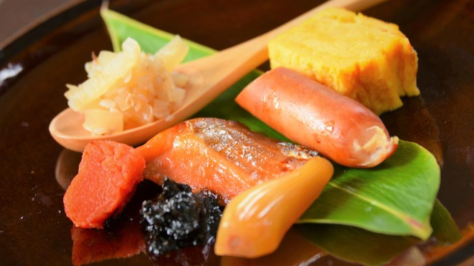 朝食:粒蕎麦干瓢 八汐鱒 たまり漬など