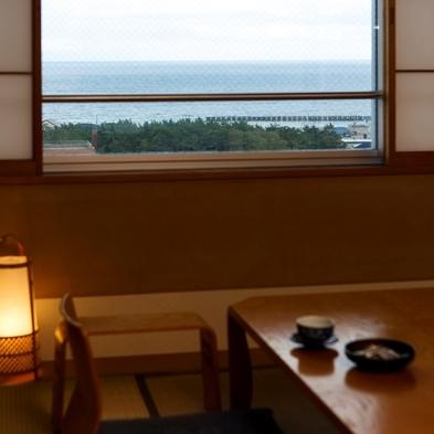 【眺望重視】津軽海峡・函館山・競馬場をまとめて眺めよう!高層階客室確約プラン