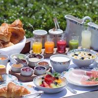 【関西圏在住の方限定】世界一の朝食をランチで楽しめる♪♪平日・室数限定の日帰りプラン