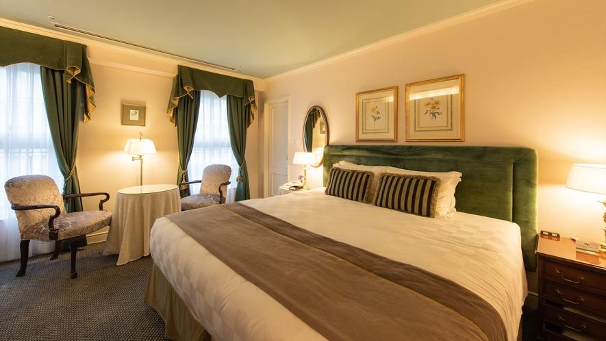 <スタンダードダブル>基調カラーで表情を変えた3タイプのお部屋をご用意しています。