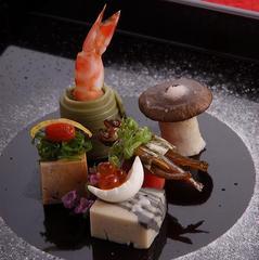 【3名様〜】下諏訪宿の街並み観光と季節の創作料理を味わう日帰り会席コース
