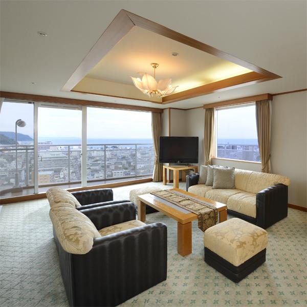 【特別室】広さ88平米の特別室は270℃の大パノラマ!眺望抜群☆