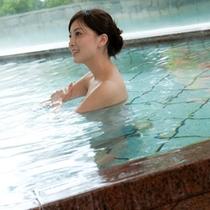 【南欧露天風呂】内湯もあります。