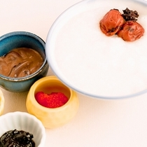 【朝食☆和洋バイキング】今朝は飲みすぎですか?お腹にやさしいおかゆをどうぞ♪