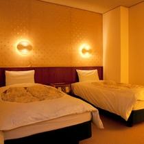 【ガーデンスイート館 一般客室44平米和洋室低階層】洋室
