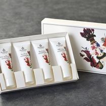 デザインも可愛い、CARTHUSIA(カルトゥージア)爽やかなレモンの香りのスキンケアセットです!