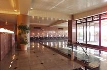 【温泉大浴場】天然温泉の内湯。洗い場も広々