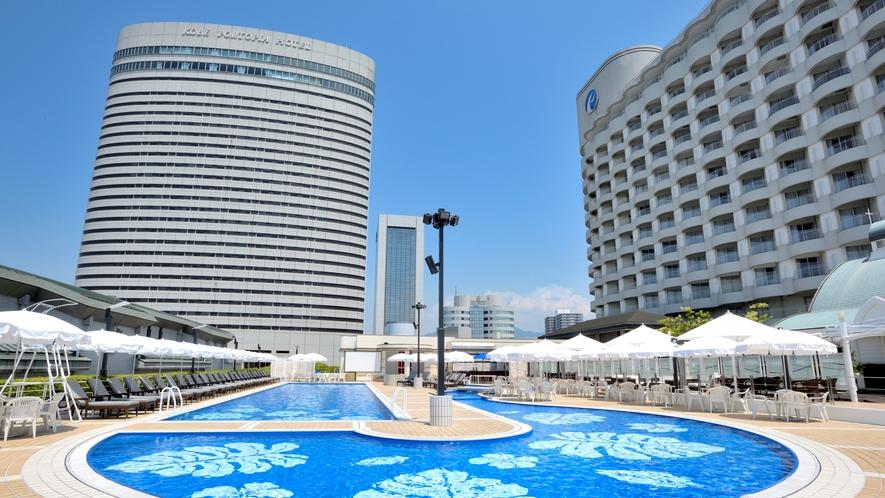 ホテル外観(プール)