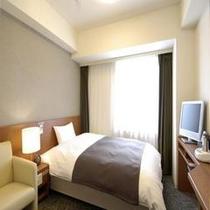 ◆【客室】『シングルルーム』 広さ15平米 ベッドサイズ横140cm×縦205cm