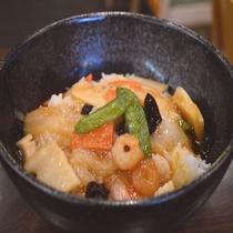 ◆【無料夕食】『中華丼』平日限定18時~20時、食数限定でご提供♪(内容は季節により異なります)