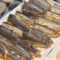 ◆【朝食】『焼魚(サンマ)』 内容は季節等により異なります。