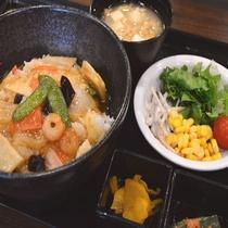 ◆【無料夕食】『中華丼』平日&食数限定で夕食を無料でご提供しております!(メニューは日替わりです)