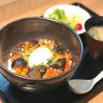 ◆【無料夕食】メニュー一例『麻婆茄子丼』平日18時~20時&食数限定でご提供♪