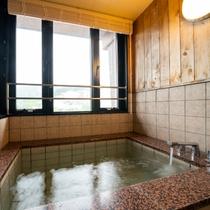 【最上階特別室】客室のお風呂は半露天風呂(温泉ではございません)