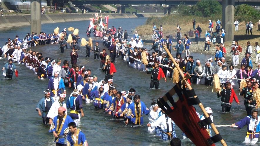 神宮の重要なお祭り神嘗祭の川曳き(伊勢神宮内宮周辺)