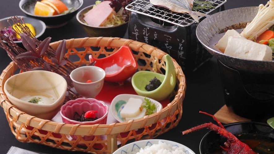 朝食は和食膳をご用意しております。7:30~8:30