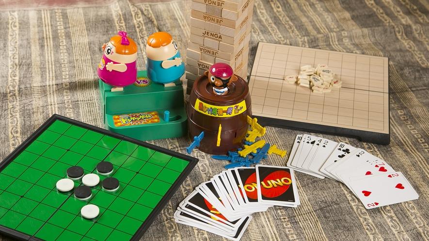 オセロ、UNO、ジェンガやお子様用のおもちゃの貸出しがございます。フロントにお越しくださいませ。