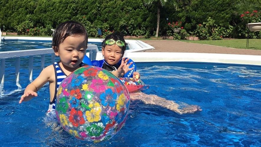 幼児用プールもあるよ