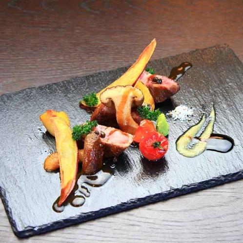 夕食一例_肉料理_和牛を使用したメインディッシュを堪能下さい♪