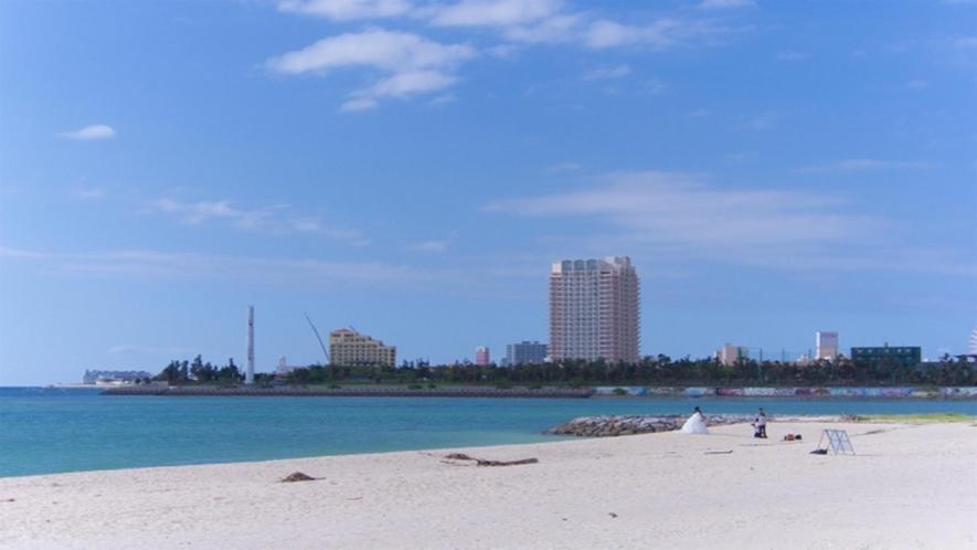 地元民に人気!アラハビーチ。車で約30分。