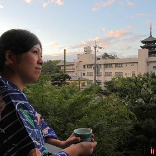 興福寺五重塔を望みながらベランダにてほっと一息
