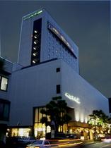 ホテル全景 夜