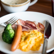 朝食たまご、ソーセージ
