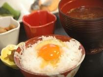 比内地鶏の極上たまごかけご飯も楽しめる朝食バイキング