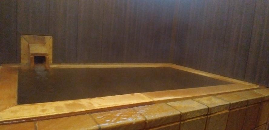 【貸切】源泉かけ流しのヒノキ風呂