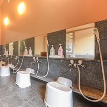 *【風呂(大浴場・男湯)3】当館自慢のとろり美肌の湯。翌日はお肌すべすべ間違いなし♪