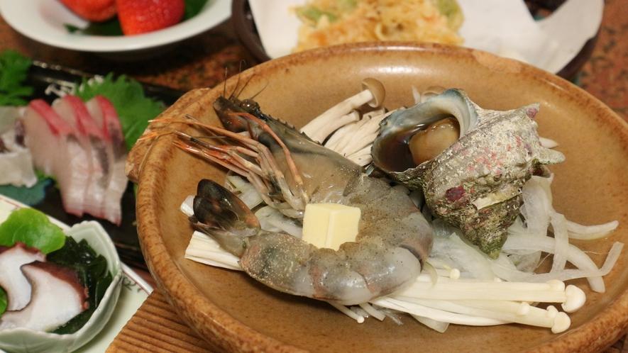 *【お料理】夕食一例。海の幸が豊富で新鮮!