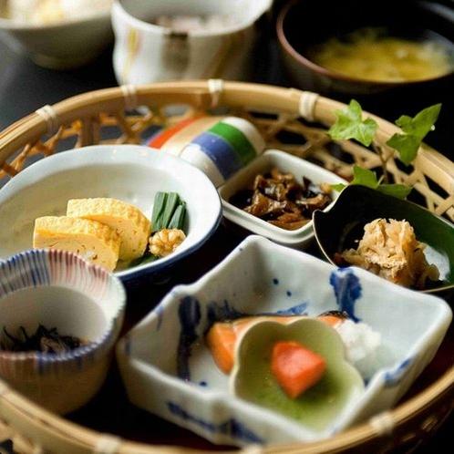 【朝食】小鉢の盛り合わせ