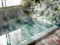 天然温泉浴室