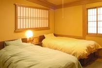 本館2F和洋室ツイン【きく】和6畳+洋6畳 貸切風呂無料