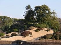 岡山後楽園 日本三名園のひとつ。四季折々の表情を楽しめます。