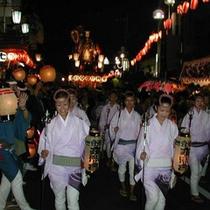 「潮来祇園祭礼」町が祭の熱気に包まれます。