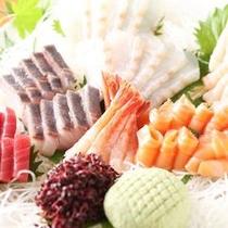 【夕膳/バイキング】旬の味覚満載の季節のフェア料理をはじめとする自慢のお料理をご用意※イメージ