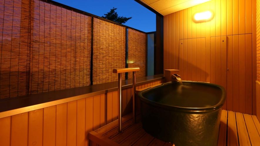 本客殿・露天風呂付客室 陶器風呂